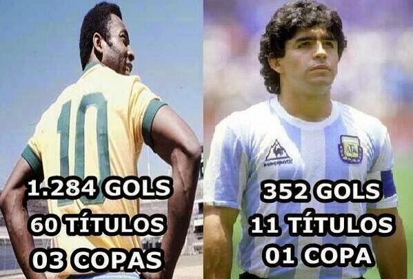 pele vs maradona.jpg